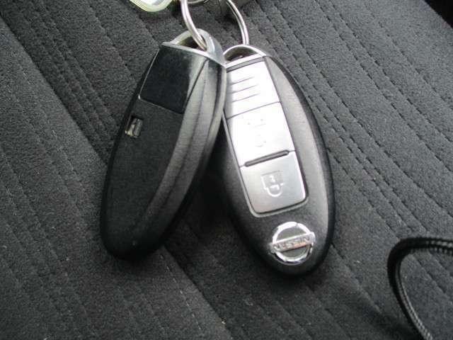 鍵を挿し込む必要がなく、プッシュスタートボタンを押すだけでエンジンを始動させることができます★防犯対策にも有効です!