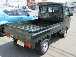 荷台は三方開!荷台の長さは2030mmと軽トラックNO.1です!ボディ表面積100%に防錆鋼板採用!!長期錆保証!