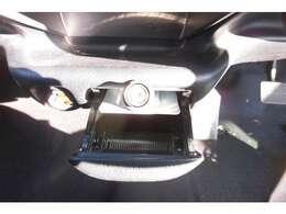 積載車も完備しておりますので車検の切れたお車もお伺い致します。販売だけではなく車検も承っております。