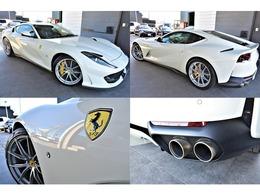 エクステリアは、「BIANCO AVUS」を選択。「F12ベルリネッタ」の後継として登場し、自然吸気V12気筒エンジン、800馬力と「スーパーファスト」の名に相応しい車両となっております。