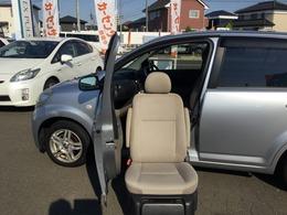 ダイハツ ブーン 1.0 CL 4WD 助手席回転シート 福祉車両 ウェルキャブ