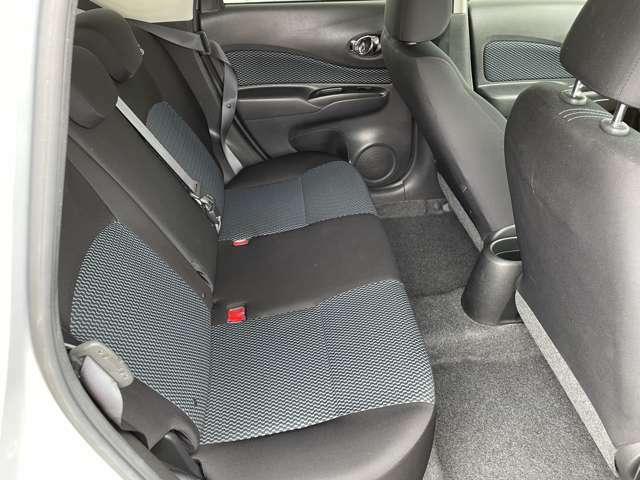 後席シート。座り心地の良いシートです。