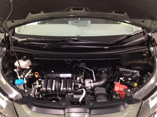 ★エンジンルームもピカピカ!高品質なお車をお届けします。