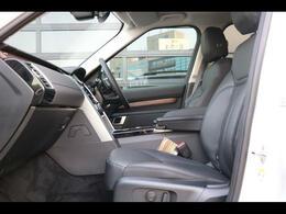 シートヒーター(運転席・助手席)シートパック3-メモリー12x12ウェイグレインレザーシート、ショッピングバッグフック、ナチュラルシャドーオークパネル、HI LineAudio‐