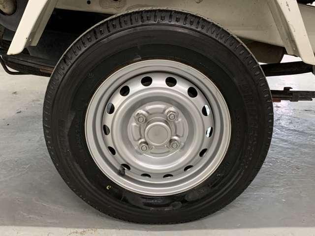 タイヤは唯一地面に接地している部分です。ご納車時にタイヤ4本新品に取り替えてからお渡しの安心プランをおススメ致します!