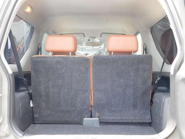 ★シートを倒せば大きな荷物も積めます!