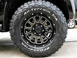 新品デルタフォースオーバル17インチアルミホイール&新品BFG AT 275/70R17インチタイヤ装着です♪