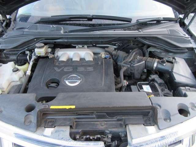V6 3500cc モンスターエンジン。