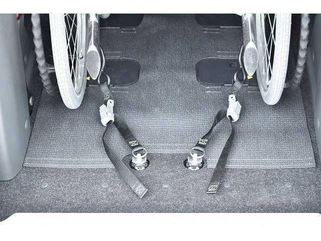 車椅子固定装置になります♪【車いす装着例】