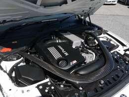 431馬力(カタログ値)を発生する、直列6気筒Mツインパワーターボエンジンを搭載!7速MDCTとの組み合わせです!