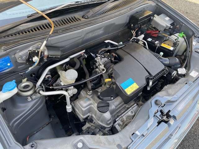 修復歴はありません、機関も良好です、ディーラー下取り車ですのでとても安心です、タイミングチェーン式エンジンですので10万km毎のタイミングベルト交換は必要ありません、安心して乗っていただけます。