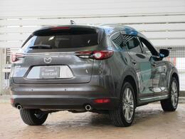 北米仕様の3列シートSUV「CX-9」を日本国内向けにリサイズすることで、重量に負けない強靭なボディの多人数SUVが誕生しました。