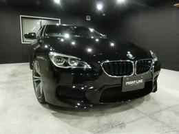 BMW M6 カブリオレ 4.4 白/黒フルレザーメリノ ルビーブラック
