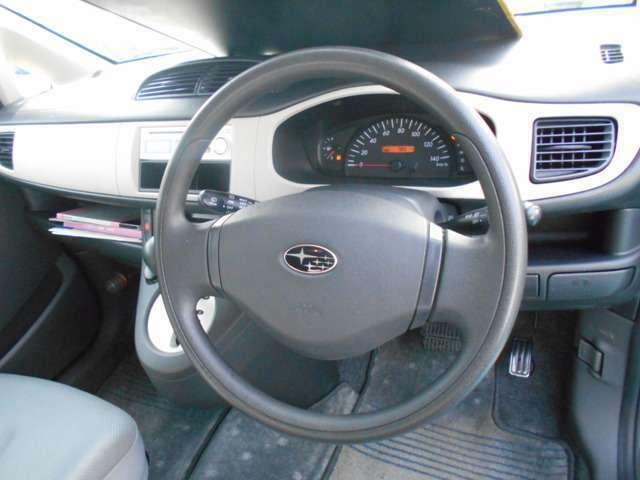 もしもの時の安全装備も充実!!運転席/助手席エアバック&安全ボディー付きで万が一の時も安心です!!盗難やイタズラが気になる方は当社にてセキュリティーをお付けすることも可能ですよ!!!
