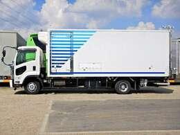 車両総重量7990kg 最大積載量2250kg