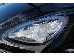 ヘッドライトは黄ばみ劣化少なく良い状態が保たれております