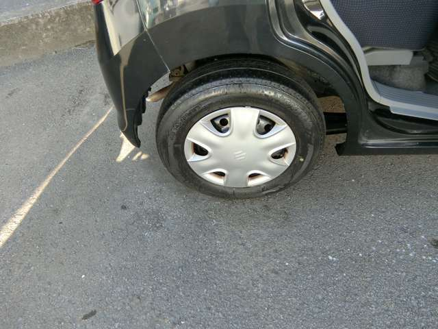 タイヤ4本交換致します