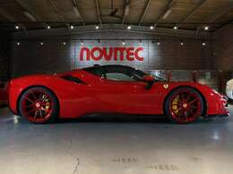 NOVITECエキゾーストシステムを装着し、33hpアップの1033hpへ。オリジナルの状態ではエンジンにはV8ターボエンジンが搭載され、エンジン+3基のエレクトリックモーターで出力1,000hp。