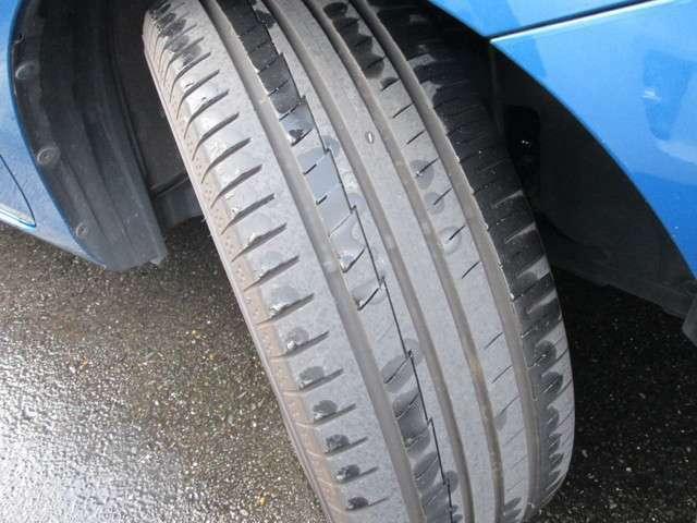 国産タイヤ溝あります