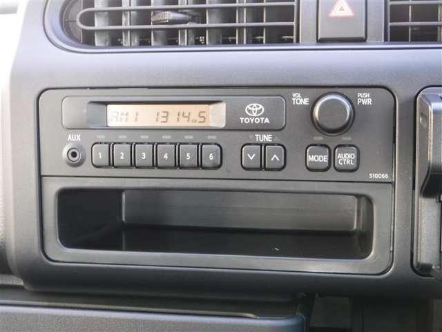 純正ラジオ付きです、交通情報なども聞けますよ。