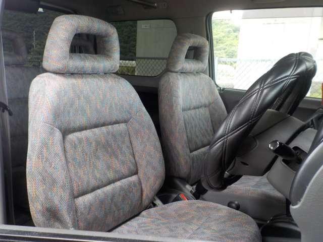 ルームクリーニングも行っております♪シートの汚れをかき出し綺麗に致します。気になる方は、お気軽にご相談下さい♪