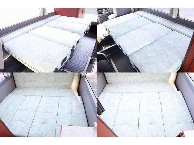 ベッド展開時195cm×115cm(前方) 190cm×150cm(後方) 5名の就寝が可能です♪