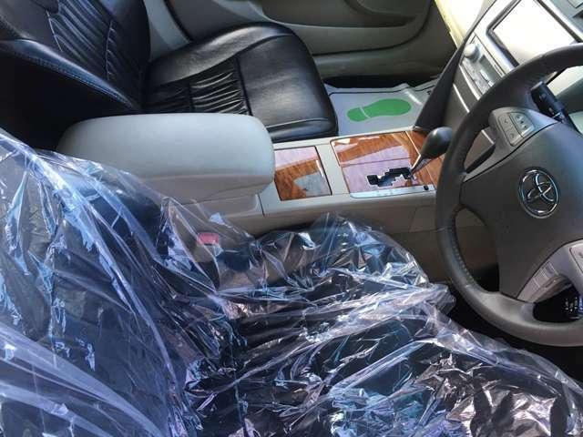 ブラック革調シートカバー装備!室内抗菌・防臭クリーニング済!快適空間をお届け致します。