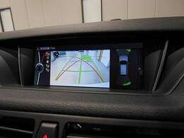 リアビューカメラと後方の障害物センサー(PDC)装備で駐車をサポート。