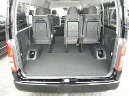 メーカーOPはLEDヘッドランプ・スマートキー、バックモニター内蔵インナーミラー、パワースライドドア、電動格納ドアミラー、ステアリングスイッチ、アクセサリーコンセント付!車両本体価格に含んでおります。