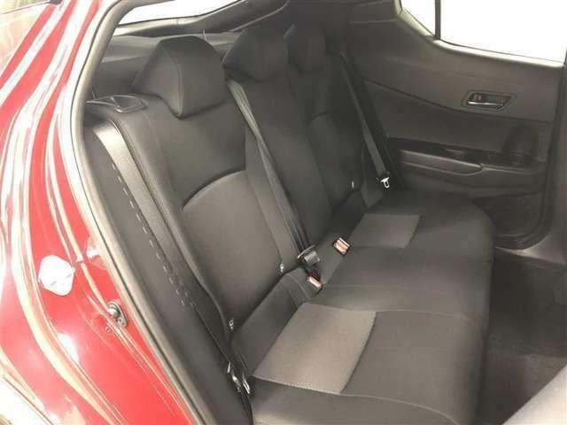 まるで新車当時のような輝きを取り戻すべく、内外装を徹底的にクリーニングいたしました。