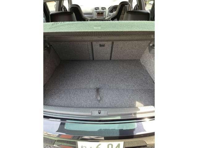 買い物にお出かけに荷物載せれるようにスペアタイヤ内にAIRLIFTをインストール。