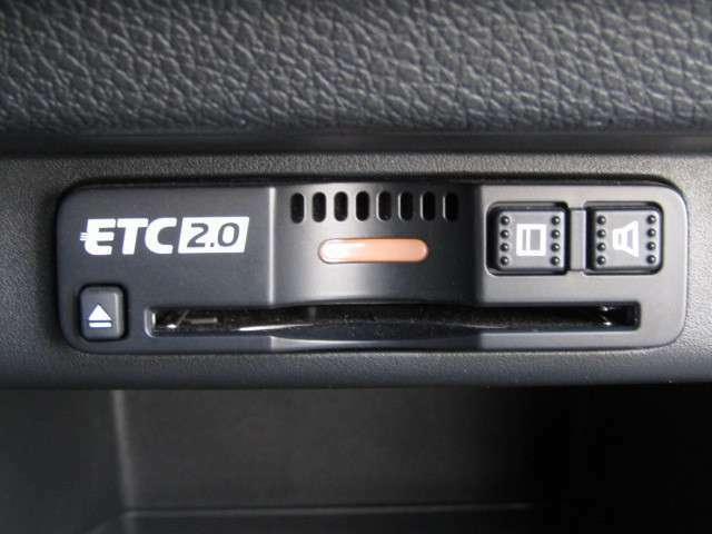 ETC2.0車載器が付いています。セットアップをしてから納車しますので、カードを挿せばすぐお使いいただけます。