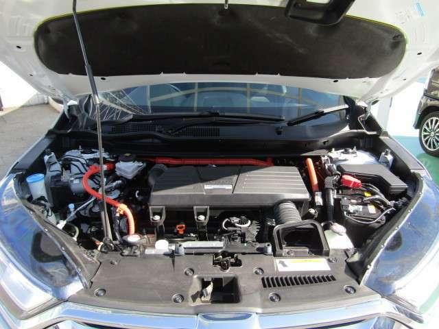 エンジンルームです。綺麗にクリーニングしてあります。点検整備を実施してからの納車となりますのでご安心下さい。
