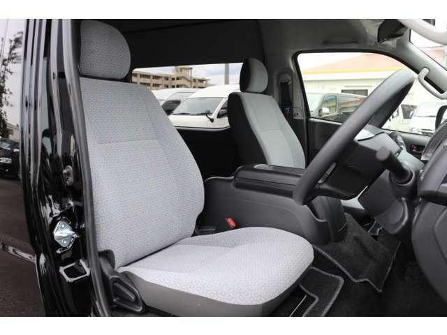 メーカーOPはパワースライドドア、LEDヘッドライト、スマートキー、バックモニター内蔵ミラー、アクセサリーコンセント、純正アルミ、電動格納ドアミラー!車両本体価格に含めております!