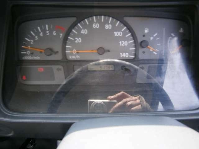 気になる足回り、エンジン部分もしっかりとチェックしております!ご安心してお乗りください!自信をもってお勧めできるお車のみ取り揃えております。