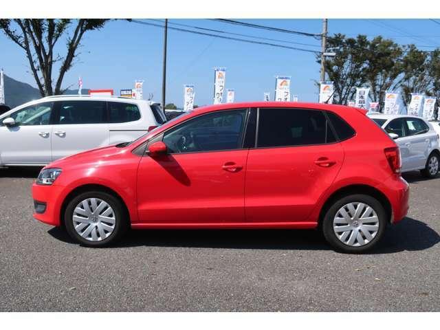VWは小さな車も、大きな車も、平等に。クラスによって品質や安全性に差を付けない。ボディ剛性と精度、重厚なドアの音はどの車種にも。