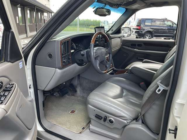 運転席の状態☆ タバコ穴や臭いもなくキレイです♪じっくりご覧下さい♪  お気軽にお問合せを♪【無料電話】0078-6003-206896 【みんくるLINE ID】07020337089で検索♪