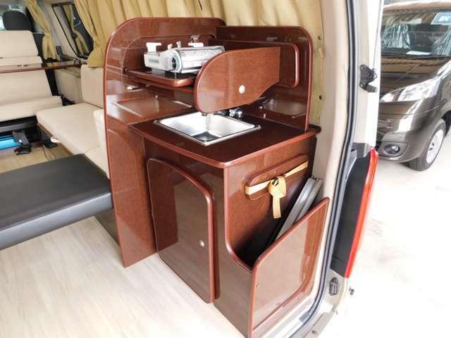 スライド式コンロ台 ポリタンク各10Lシンク テーブル収納箇所