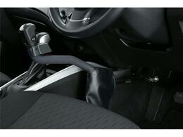 APドライブは手動レバーでアクセルやブレーキ、クラクションやウィンカーなどを操作出来る手動運転装置です。