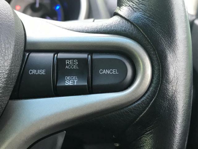 クルーズコントロール装備です。速度を自動的にキープ。ロングドライブを快適にサポートしてくれます。