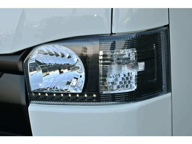 LEDインナーブラックヘッドライト!LEDポジション・ステルスウィンカー