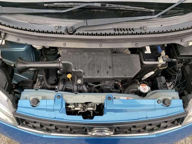 このアイのお車は、3B20型のエンジンで、タイミングチェーン式のエンジンとなります。 タイミングベルト式のエンジンとは異なり、基本的には走行10万kmや10年経過での交換は不要と言われております。