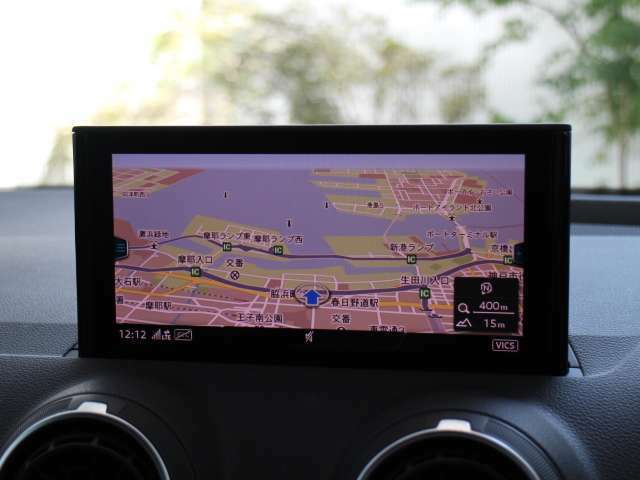 ■フロントシート フロントには運転席・助手席エアバッグ・サイドエアバッグ・カーテンエアバッグを標準装備。(ESP)横滑り防止装置&ABS搭載で悪路や雨天時の安全性も高い1台です。