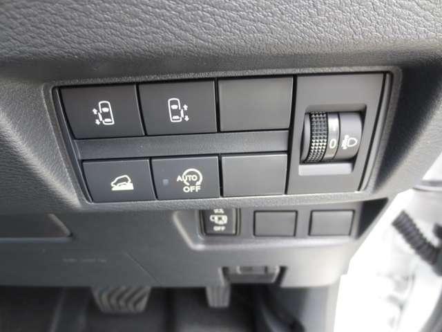 両側電動スライドドア装備の内装パッケージC仕様です。