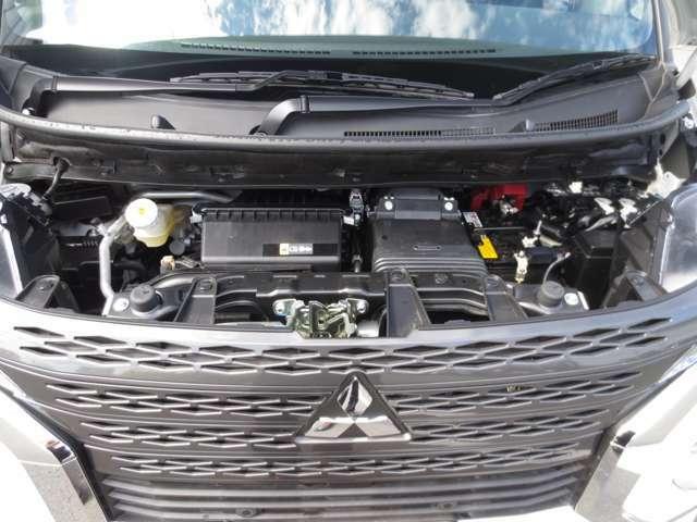 インタークーラーターボエンジン&ハイブリットシステムは、市街地から高速までキビキビした走りが可能です。