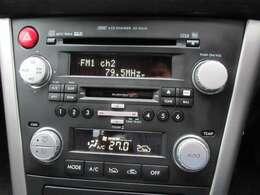6連CDチェンジャーも装備しており、好きな音楽を聴きながら楽しいドライブを満喫頂けます♪これからのシーズンには、もってこいのオススメのステーションワゴン♪楽しいカーライフをお送り頂けます♪