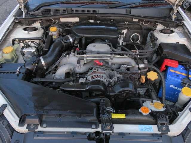アイドリングも安定していて、調子の良いエンジンです♪2000ccで、吹けもよく、良く回るエンジンなので乗っていてストレスを感じる事はありません♪