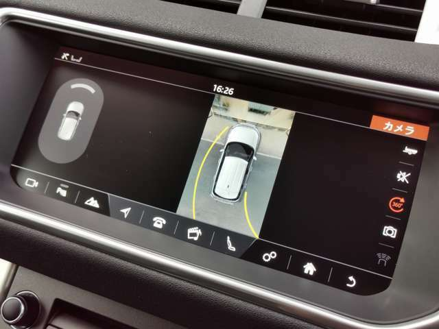 バックガイドモニターはもちろん、サラウンドカメラも搭載!より便利に、よりスムーズに駐車をサポート。