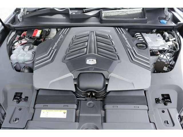 4.0Lターボエンジンとなります!車体の大きさをものともしない軽やかな走りを是非一度体感してみてください!お問い合わせお待ちしております!