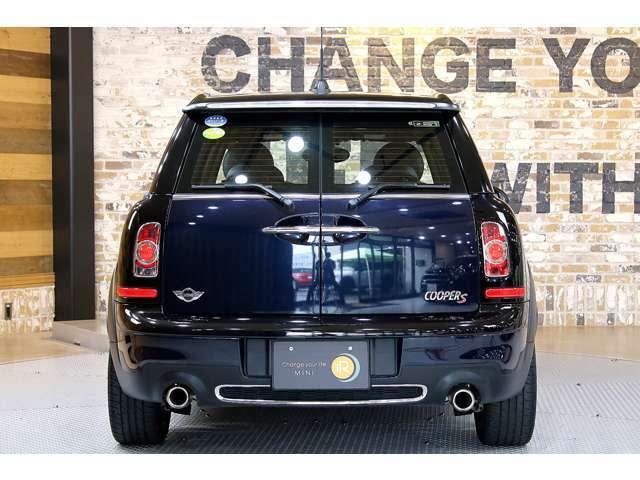 ■クラブマンの代名詞とも言える、観音開きのトランクルーム。他の車との違いを出したい方には特におすすめで、デザイン性に特化した作りになっています。